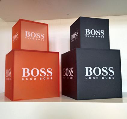 boss hugo boss skiltefabrikken logobokse serigrafisk