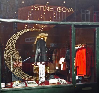 folie guld vindue dekoration stine goya skilt skiltefabrikken københavn østerbro