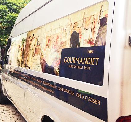 skiltefabrikken gourmandiet bil dekoration folie skilt skilte københavn østerbro
