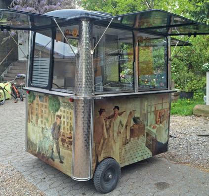 gourmandiet pølsevogn indpakket i folie med print motiv af skiltefabrikken københavn østerbro