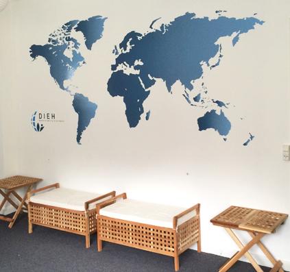 landkort-verden-folie-skiltefabrikken