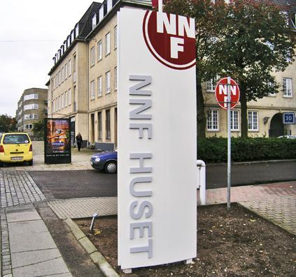 pylon nnf huset bogstaver laserskåret skilt skiltefabrikken
